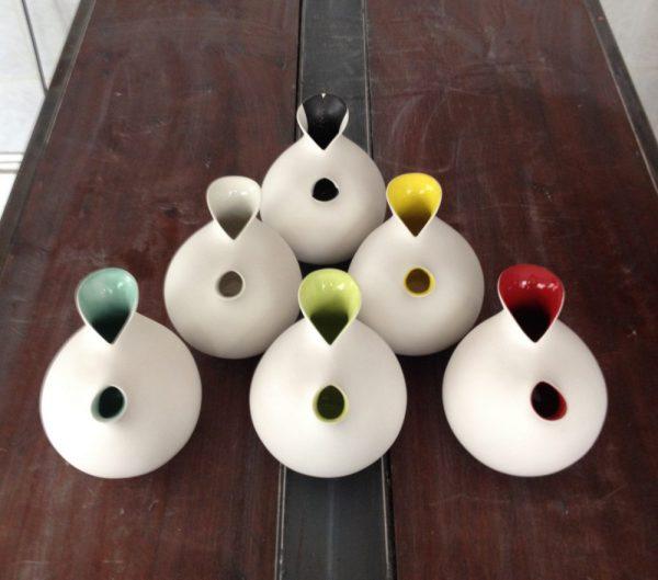 Esquadrille de pichets poulettes porcelaine 2016