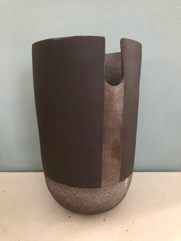 Grand vase terre noire Heaume 2018