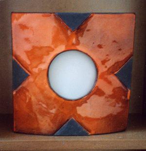 Lampe K noire croix orange