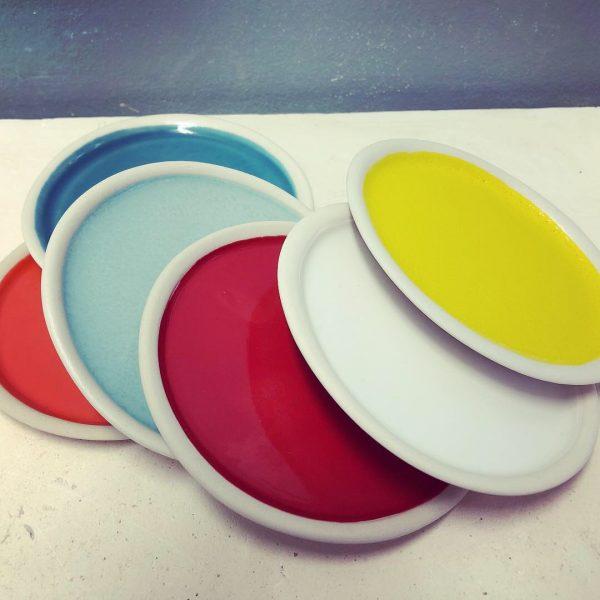 assiettes couleur